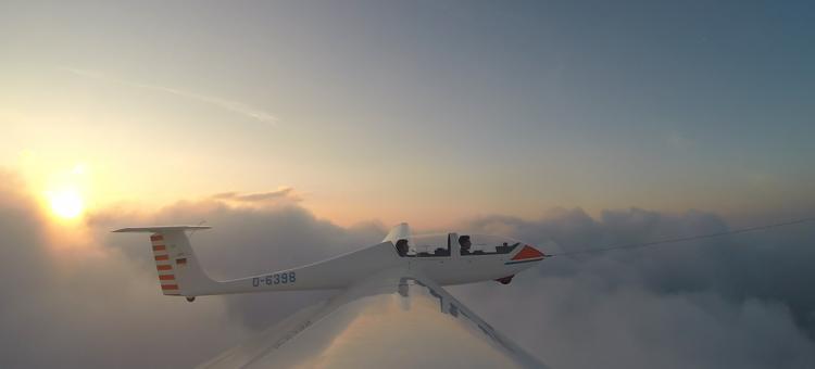 Sunrise-Flug zur Sommersonnwende – Flieger, grüß' mir die Sonne