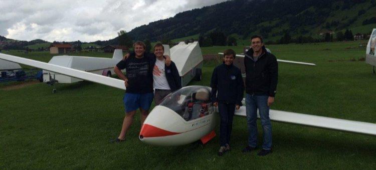 Maximilian Ditsch fliegt beim West-Bayerischen Jugendvergleichsfliegen 2017 in Agathazell