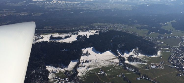 Segelflieger in Paterzell starten in die neue Saison – die Thermik ist zurück!