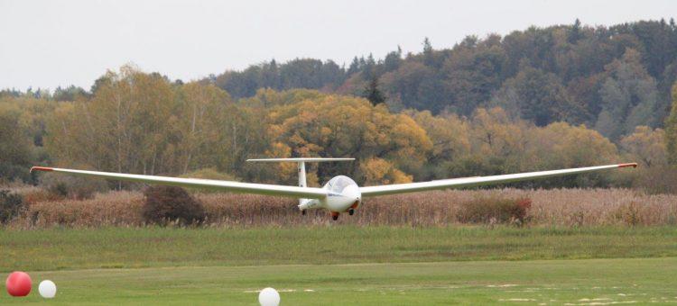 Punktlandungen: Ziellandewettbewerb der Paterzeller Segelflieger